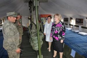 Ольга Гальцова и Сария Сабурская посетили одну из войсковых частей армии с целью ознакомления с условиями прохождения военной службы военнослужащими по призыву.