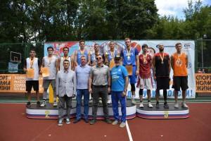 В Самарской области в соревнованиях принимают участие 124 команды из столицы региона, Тольятти, Новокуйбышевска, Чапаевска, Сызрани и других районов губернии.
