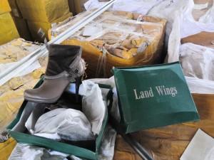 Самарские таможенники задержали крупную партию обуви без маркировки, парфюмерной продукции и кальянного табака