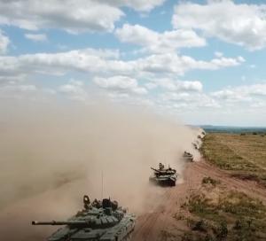 В учебном бою сойдутся общевойсковые армии из Сибири и Поволжья.