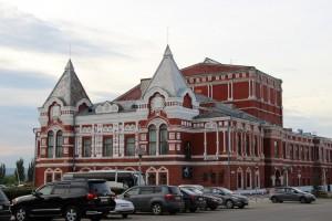 Губернатор Дмитрий Азаров обсудил с архитекторами вопрос реконструкции Самарского театра драмы