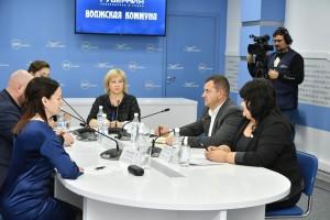 Из пресс-центра Самарского областного вещательного агентства состоится онлайн-трансляция круглого стола, в рамках которого эксперты расскажут о новых антикризисных продуктах для малого бизнеса.