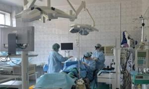 """""""Аппарат очень сложный, но устроен так, что хирургу работать на нем легко."""""""