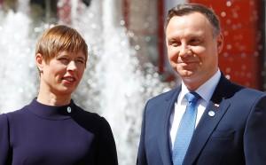 Президенты Польши, Литвы, Латвии и Эстонии призвали президента Белоруссии отказаться от насилия в отношении граждан собственной страны и принять их посредничество для мирного выхода из кризиса.