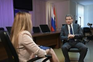 Вторая волна коронавируса для Самарской области реальность? Когда скорая помощь станет более доступной? Зачем министру здравоохранения работать в больнице?