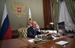 Президенты Белоруссии и России также договорились, что белорусы в добровольном порядке примут участие в третьем этапе испытаний российской вакцины от коронавируса.