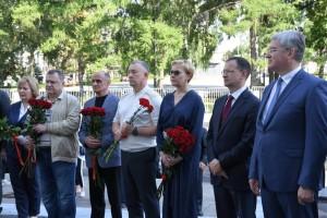 После войны, являясь одним из руководителей ПриВО, генерал-лейтенант Карпоносов внёс значительный вклад в укрепление обороноспособности нашего государства.