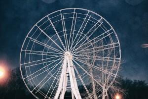 В парке Гагарина в Самаре демонтируют колесо обозрения