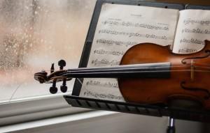 Скрипку Страдивари конца XVII века, он обнаружил, когда приехал в Тульскую область убраться в квартире умершей тети.
