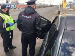 Автомобилистам, которые не снимут тонирующую пленку со стекол на месте, будет выдано требование об устранении нарушений.