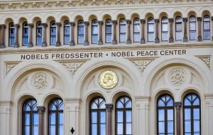 Шведский депутат Магнус Якобссон выдвинул их за соглашение о нормализации экономических отношений, подписанное в Вашингтоне 4 сентября.