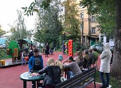 В этом году во всех районах города обрели новый облик более 50 дворов.