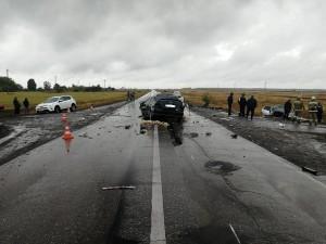 Пострадавший водитель «Митсубиси Лансер» госпитализирован.