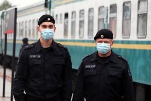 В Самаре сотрудники ОМОН спасли пассажира электропоезда