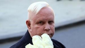 PR-менеджер певца Бориса Моисеева Кирилл Сурметов в четверг, 17 сентября, опроверг информацию СМИ о резком ухудшении состояния артиста.
