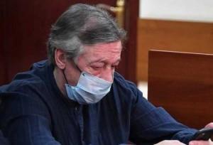 Они общались через стекло с помощью телефона, сообщил член ОНК Москвы Алексей Мельников.