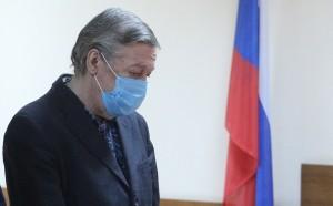 Пресненский районный суд Москвы получил апелляционную жалобу по делу Ефремова, арестованного за ДТП со смертельным исходом, от адвоката Владимира Васильева.