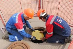 В РКС-Самара разработали и начали устанавливать устройство для предотвращения падения в колодцы.