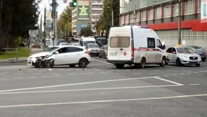 На Московском шоссе в Самаре попала в аварию скорая помощь