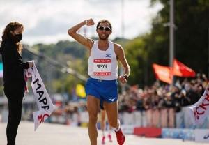 Победитель марафона определился только на финишном отрезке, где Чечун смог выйти вперед лидировавшего до этого Искандера Ядгарова.