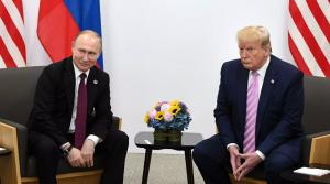 Путинзаявил о необходимости укрепления организации для мира и безопасности, в отличие отТрампа, который критиковал Китай и говорил о вкладе США в развитие НАТО.