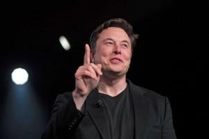 Новый автомобиль будет на 12 тысяч долларов дешевле, чем самая бюджетная модель, которая Tesla производит сейчас - седан Model 3 стоимостью 37 990 долларов.