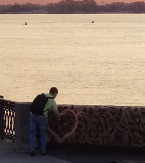 В Самаре вандал изуродовал новый арт-объект Покраса Лампаса