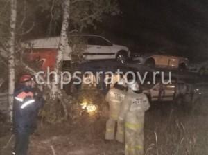 Автовоз с новенькими легковушками вылетел в кювет на трассе Сызрань-Саратов