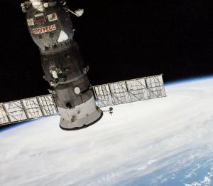 Сейчас на МКС находятся российские космонавтыАнатолий ИванишиниИван Вагнер, а также американский астронавтКристофер Кэссиди.