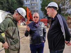 Первый заместитель главы Самары Владимир Василенко провел ежедневный выездной штаб по подключению отопления и ремонту теплосетей.