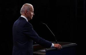 Трамп во время дебатов многократно перебивал оппонента и вступал в перепалки с модератором дискуссии.