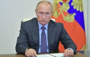 Владимир Путин, Эмманюэль Макрон и Дональд Трамп считают, что следует немедленно прекратить боевые действия в зоне конфликта.
