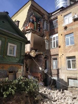 Причиной обрушения дома на улице Галактионовской в Самаре могли стать несогласованные земляные работы