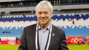 В 2019 году Валерьян Панфилов получил благодарность от губернатора Самарской области Дмитрия Азарова за личный вклад в развитие футбола в Самарской области.