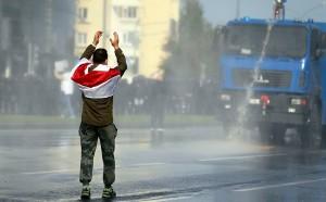 Водометы применялись для разгона акций в районе Дворца спортаи на проспекте Машерова.