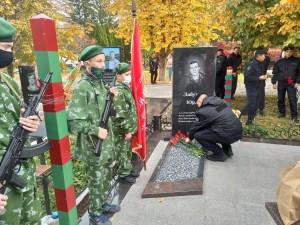 Шесть лет назад в этот день на Северном Кавказе при исполнении служебного долга погиб боец (высотник) прапорщик полиции Юрий Лабутин.