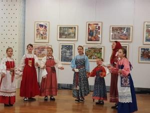 В этом просветительском проекте может участвовать каждый школьник региона. Главная тема в этом году — народная культура по направлениям музыка, танец, текст и орнамент.