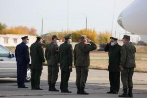 В ходе рабочей поездки командующий войсками также проинспектирует выполнение воинскими частями и соединениями региона плана деятельности в текущем году.