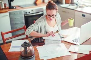 В качестве имущественной поддержки самозанятые смогут претендовать на льготную аренду коворкингов и офисных помещений в бизнес-инкубаторах.