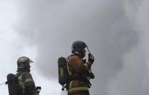 По данным военных, пожар произошел из-за загоревшейся травы.