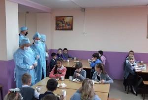 «Единая Россия» подвела итоги мониторинга обеспечения школьников горячим питанием в регионах.