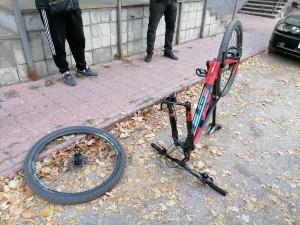 В Самаре легковушка сбила велосипедиста