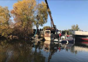В Сызрани проводится проверка по факту найденного в реке Волга автомобиля.