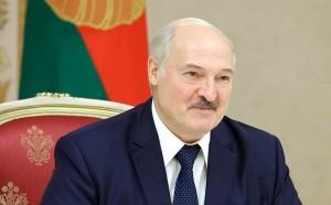По версии президента Белоруссии, действия силовиков под его руководством спасли Светлане Тихановской жизнь, а власти помогли ей обустроиться в Литве.