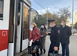 Толькос начала октябряиз наземного общественного транспорта высадили 183 пассажира, которые были без масок и принципиально отказались их использовать.