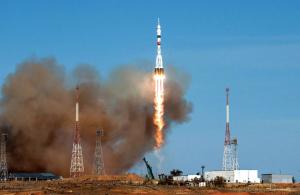 Корабль пристыковался к Международной космической станции.