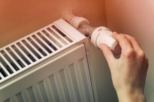 В течение дня было подключено 54 многоквартирных здания. Всего же осталось подать тепло в 139 жилых дома.