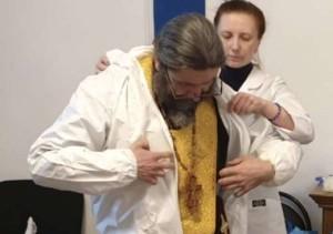 Митрополит Волоколамский Иларион считает, что врачи сумели убедиться в профессионализме и компетенции священнослужителей, подготовленных для работы с больнымиCOVID-19.