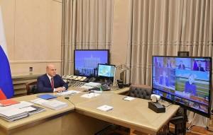 Михаил Мишустин отметил, что продление дистанционного порядка получения документов по инвалидности позволит людям не приходить лично в бюро медико-социальной экспертизы.