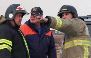 Вертолет врезался в высоковольтную линию электропередачи и упал в реку близ деревни Бобровское Нюксенского района Вологодской области.